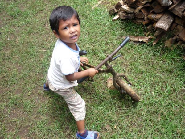 Neno Xogando - Palo Quemado